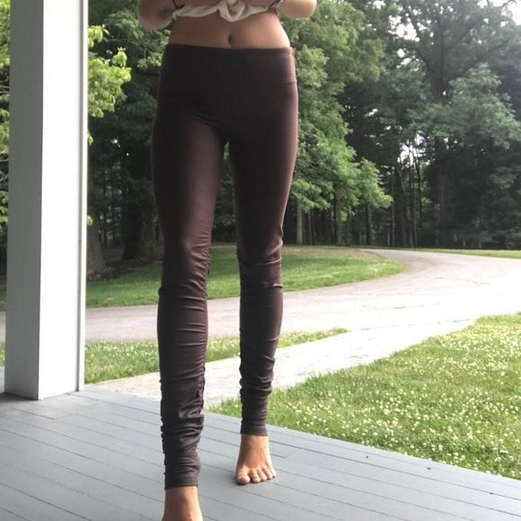 1b1cc488b2 ALO Yoga Pants | Idol Legging | Poshmark